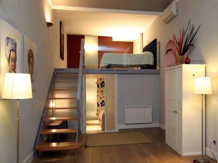 Спальня на втором этаже поможет решить извечный квартирный вопрос.