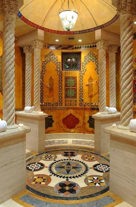 Арабский стиль в ванной комнате - это непревзойдённая роскошь и богатство натуральных красок и материалов.