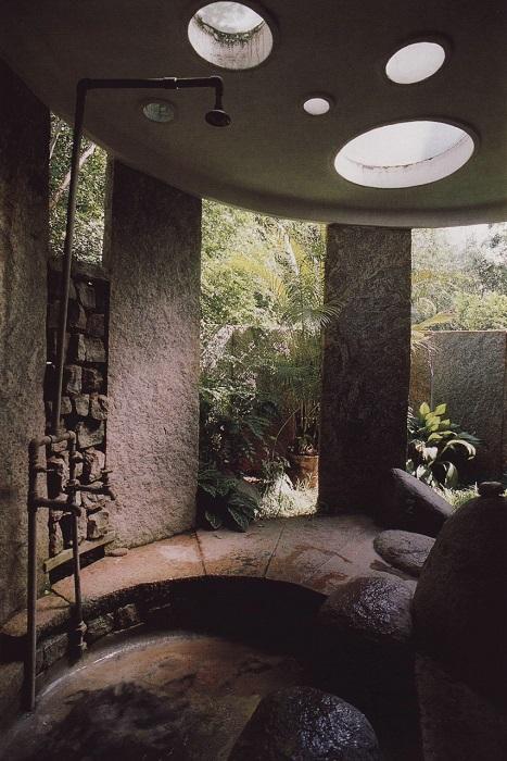 Интерьер ванной комнаты в экостиле - идеальный вариант для тех, кто стремится создать спокойную и тихую атмосферу.
