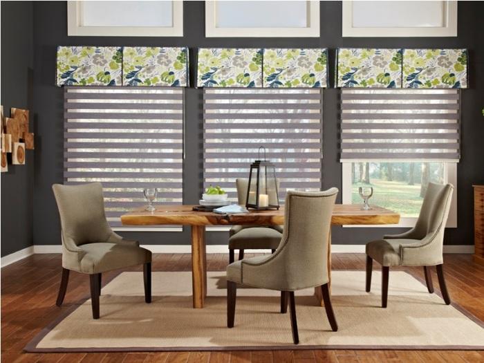 Правильно оформленное окно создаст в вашей кухне уютную атмосферу.