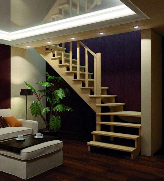 Деревянная лестница открытого типа, которая станет великолепным дополнением интерьера роскошного особняка.