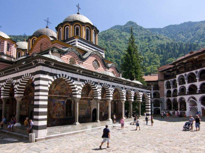 Монастырь святого Иоанна Рыльского в Болгарии.