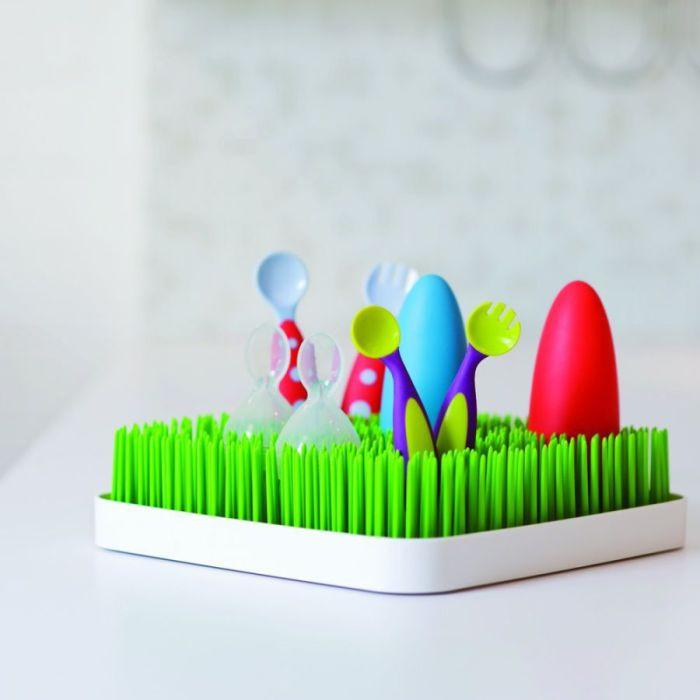 Искусная и компактная сушилка, способная выдержать посуду любой формы.