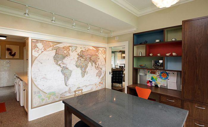 Вариант декорирования стены, который будет уместен в любой комнате.