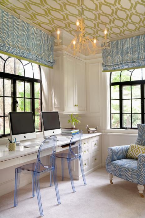 Вариант, идеальный для комнат с большими окнами.