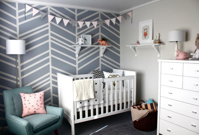 Замечательная идея для детской комнаты или спальни.
