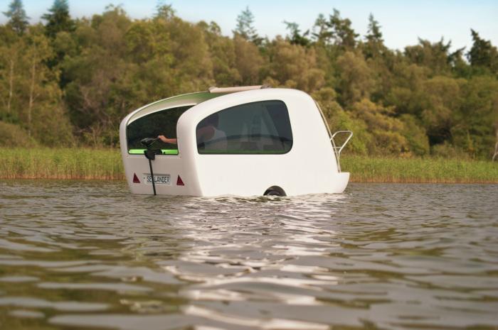 Плавающий прицеп для незабываемого отдыха у озера.