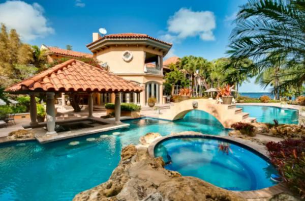 Этот райский уголок расположен в большой лагуне во Флориде.