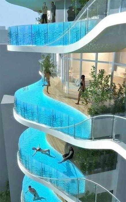 Каждый житель этого дома в Мумбаи может искупаться в своем собственном бассейне на балконе.