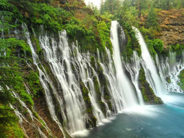 Красивые водопады берни в калифорнии