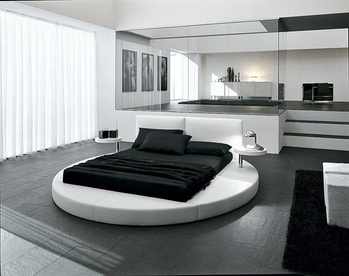 Круглая кровать, с которой невозможно свалиться.