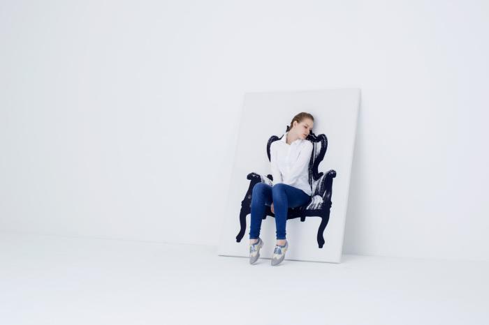 Необыкновенная мебель, в которой можно отдохнуть и которую можно повесить на стену.