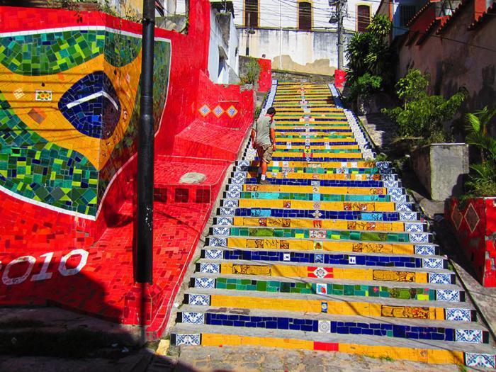 Великолепная лестница в Бразилии.