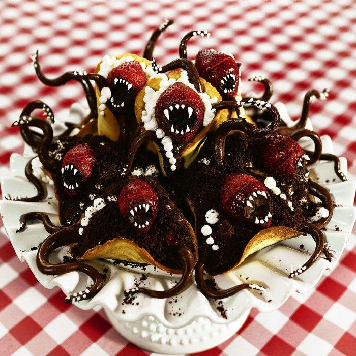 Такое пирожное само кого угодно сможет съесть.