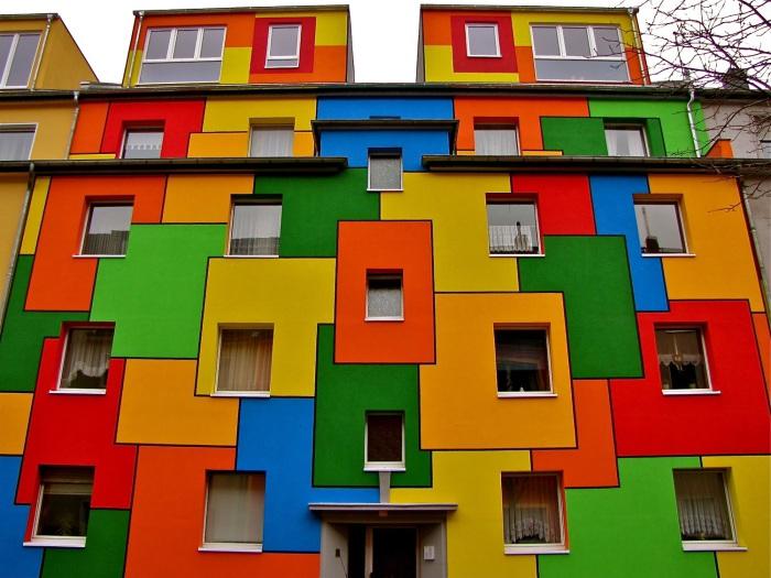 Красочные дома.