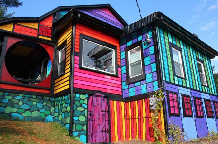 Дом-радуга.