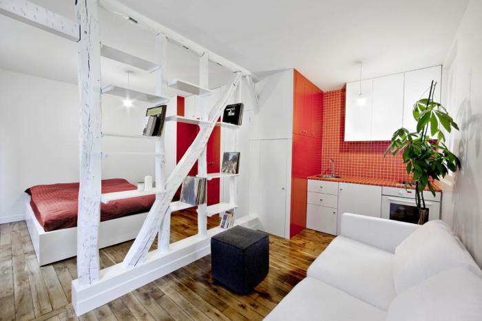 Замечательный способ разделить пространство комнаты на несколько зон и зрительно увеличить его.