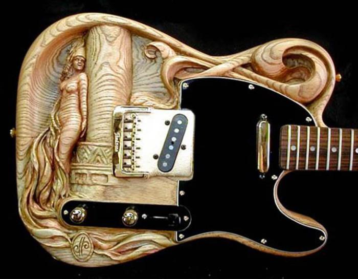 Уникальная и необычная гитара.