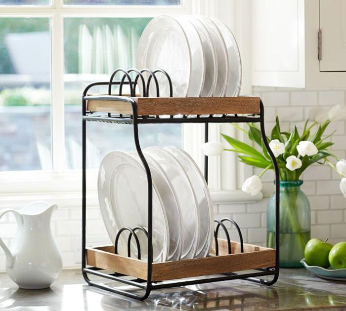 Простая и элегантная сушилка, экономящая место на кухонном столе.