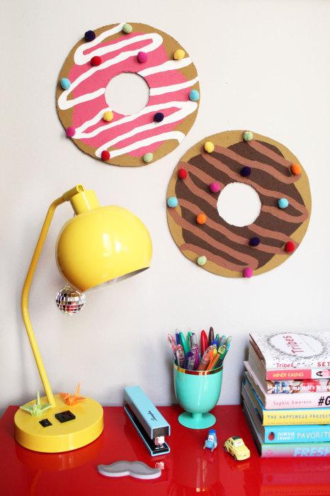 Пончики, к которым можно пригвоздить лист с напоминанием.