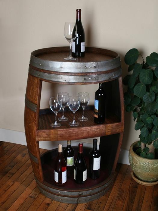 Оригинальный способ хранения винных бутылок.