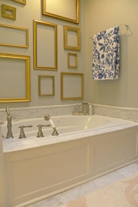 Так как рамы пустые, их можно использовать при украшении любой комнаты, без боязни, что они будут смотреться неуместно.