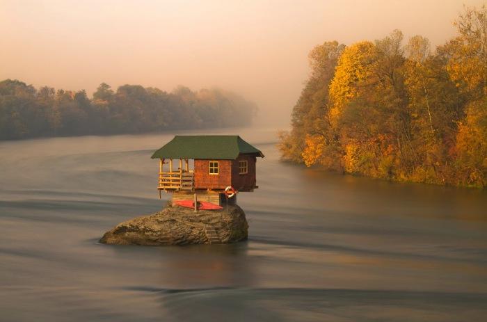 20 красивейших домиков вдали от шумной