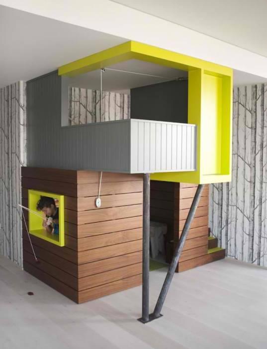 Двухэтажный домик в игровой.