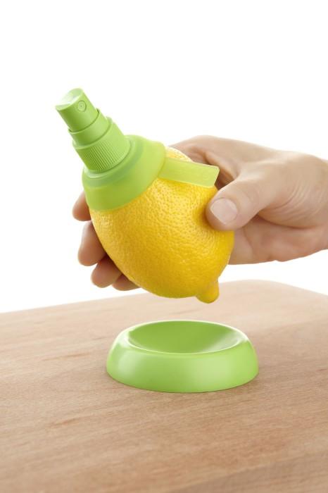 Приспособление для извлечения сока из цитрусовых.