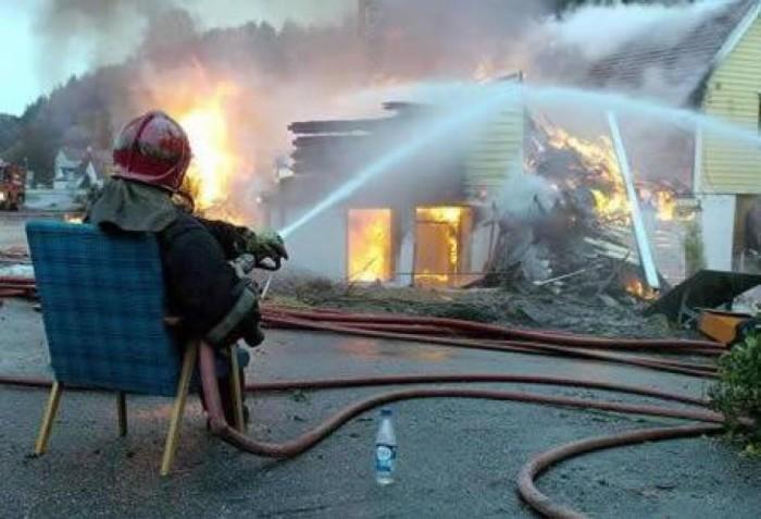 Даже пожарные бывают лентяями.