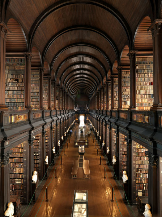 Старейшая в Ирландии библиотека.