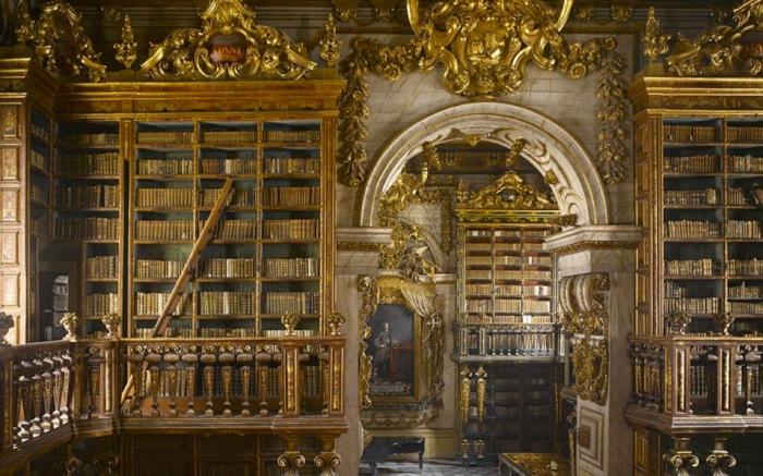 Одна из старейших и богатейших в Европе академических библиотек.