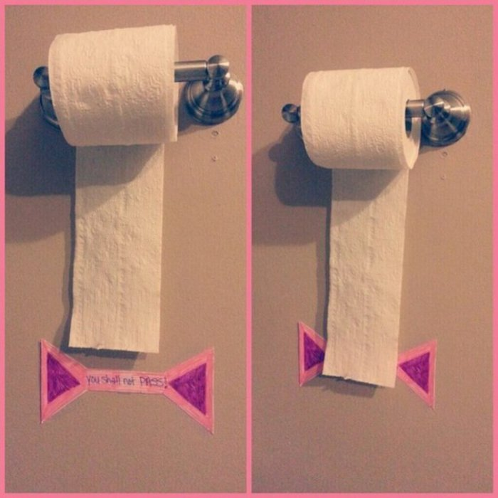 Ограничительная линия для туалетной бумаги.