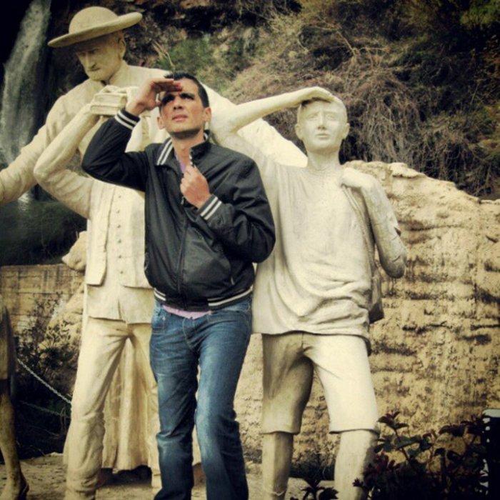 Любопытные каменные туристы.