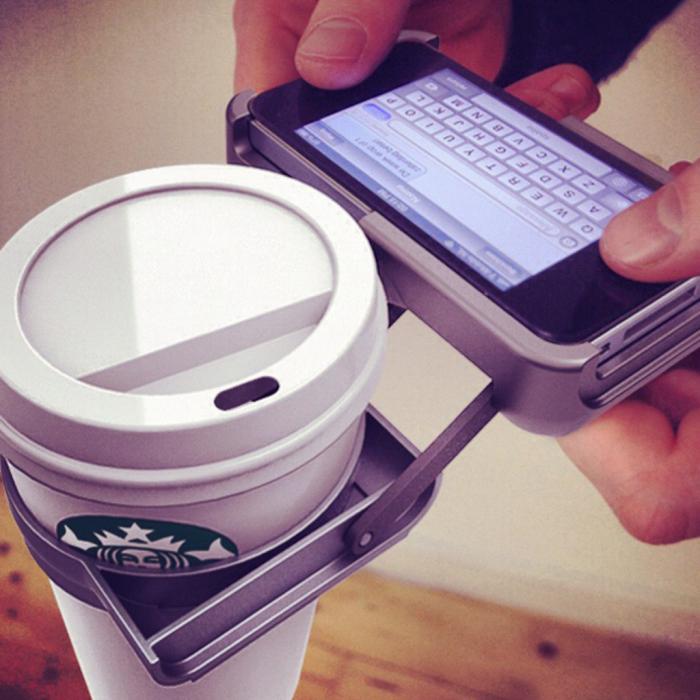 Для тех, кто любит переписываться и пить кофе одновременно.