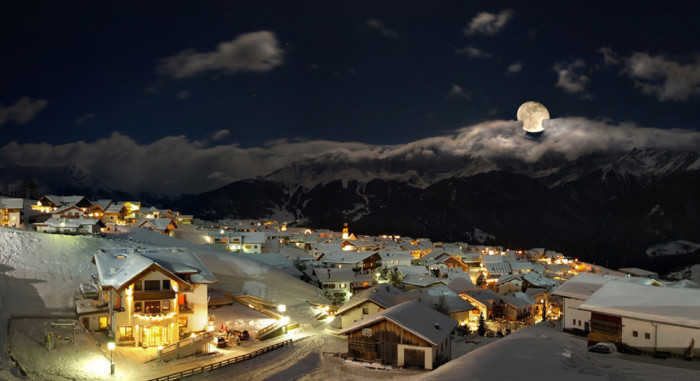 Великолепный зимний городок в Австрии.