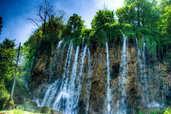Великолепные водопады на Плитвицких озерах.