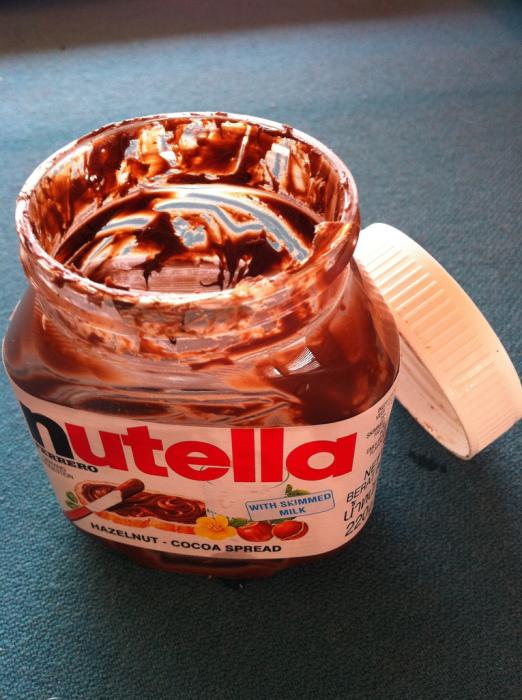 Мир кажется таким пустым, когда шоколадное масло заканчивается.