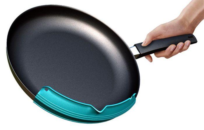 Устройство для сливания жидкости со сковороды - Приспособление, делающее жизнь проще.