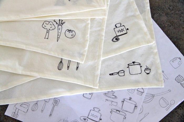 Милые небольшие рисунки на белых салфетках оживят любое застолье.