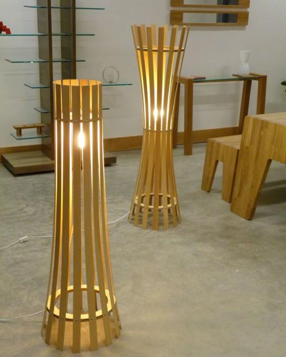 Две восхитительные похоже лампы, имеющие небольшие различия.
