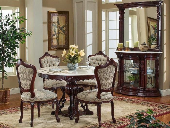 Комната для проведения званых обедов.