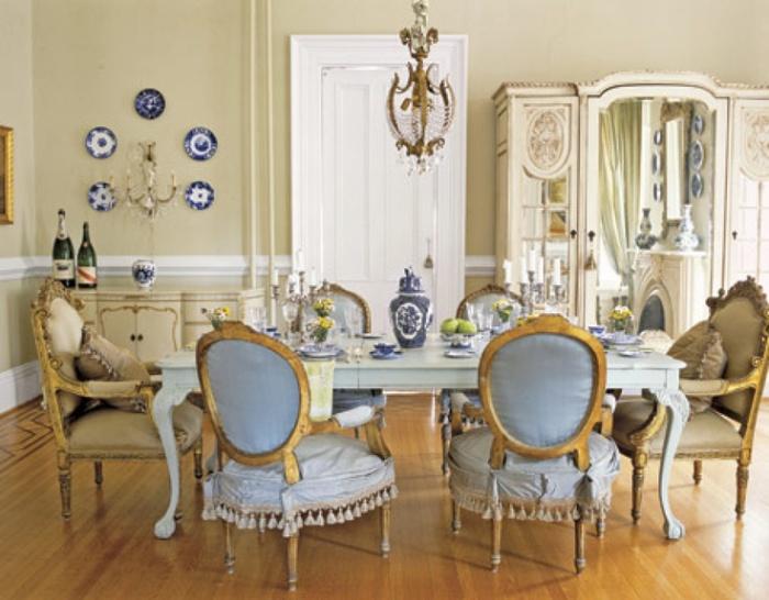 Великолепная столовая в викторианском стиле.