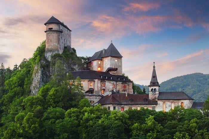 Один из самых красивых замков Словакии