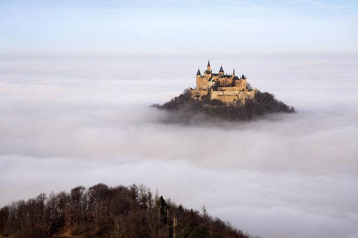 Одна из красивейших крепостей Германии - замок Гогенцоллерн