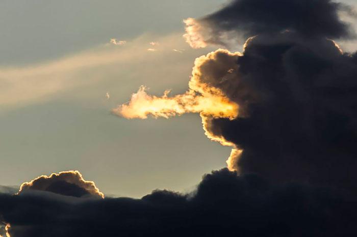 Великолепные снимки облаков необычной формы.
