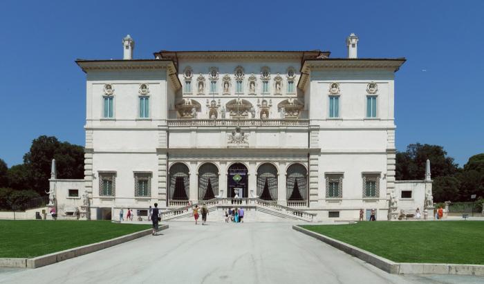Величественная галерея Боргезе в Риме.