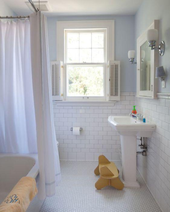 Шестиугольные плитки в ванной.