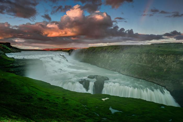 Водопад в Исландии.
