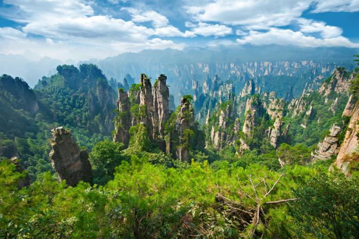 Каменный лес Шилинь в Китае.
